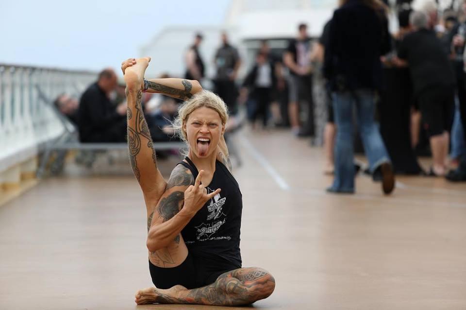 yoga-metal-ejerciocio