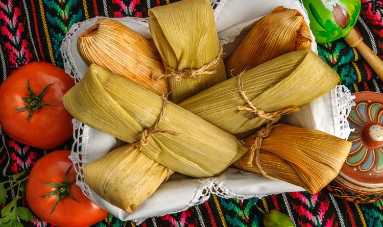 tamales con masa de nopal