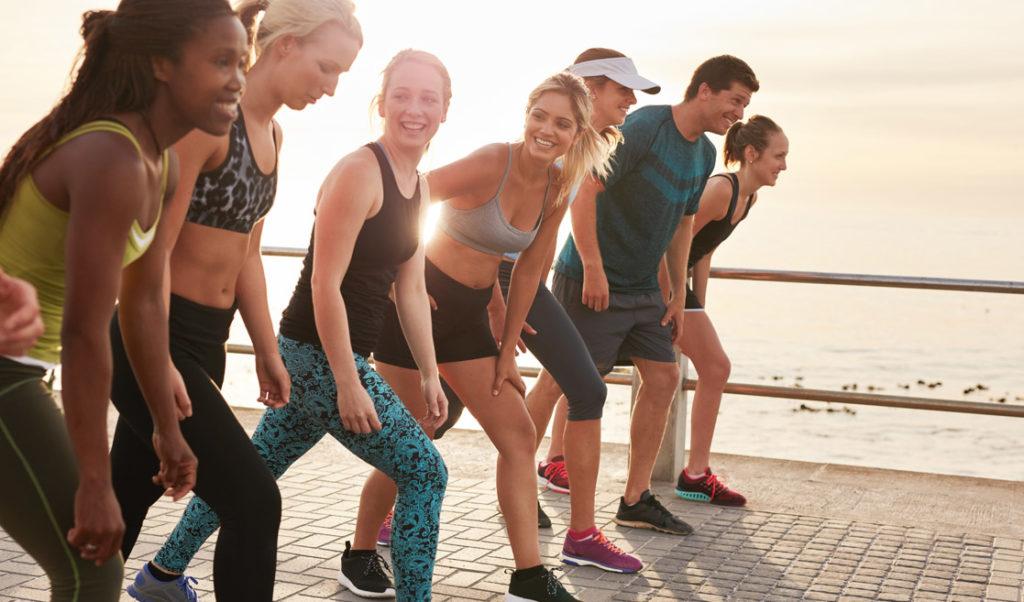 practicar deporte en equipo o con amigos