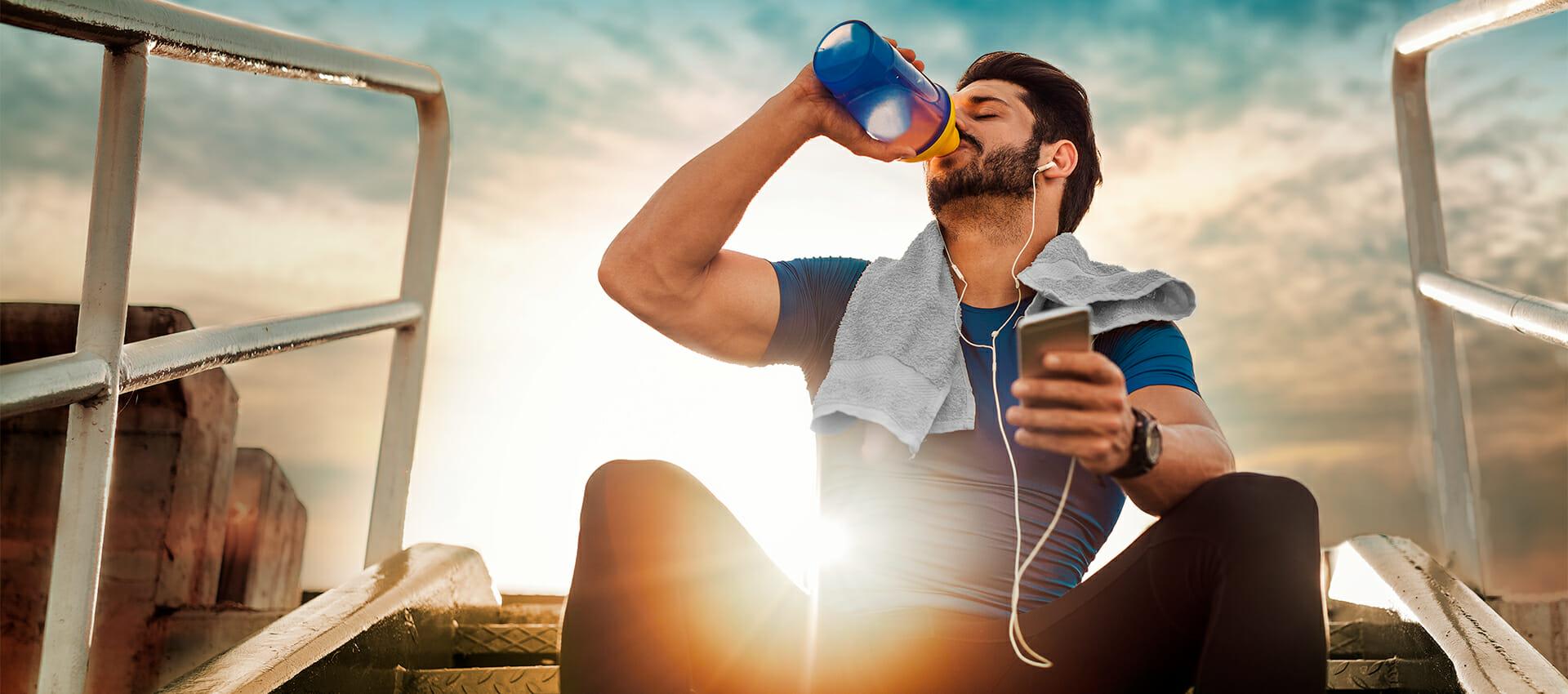 beber agua durante el deporte